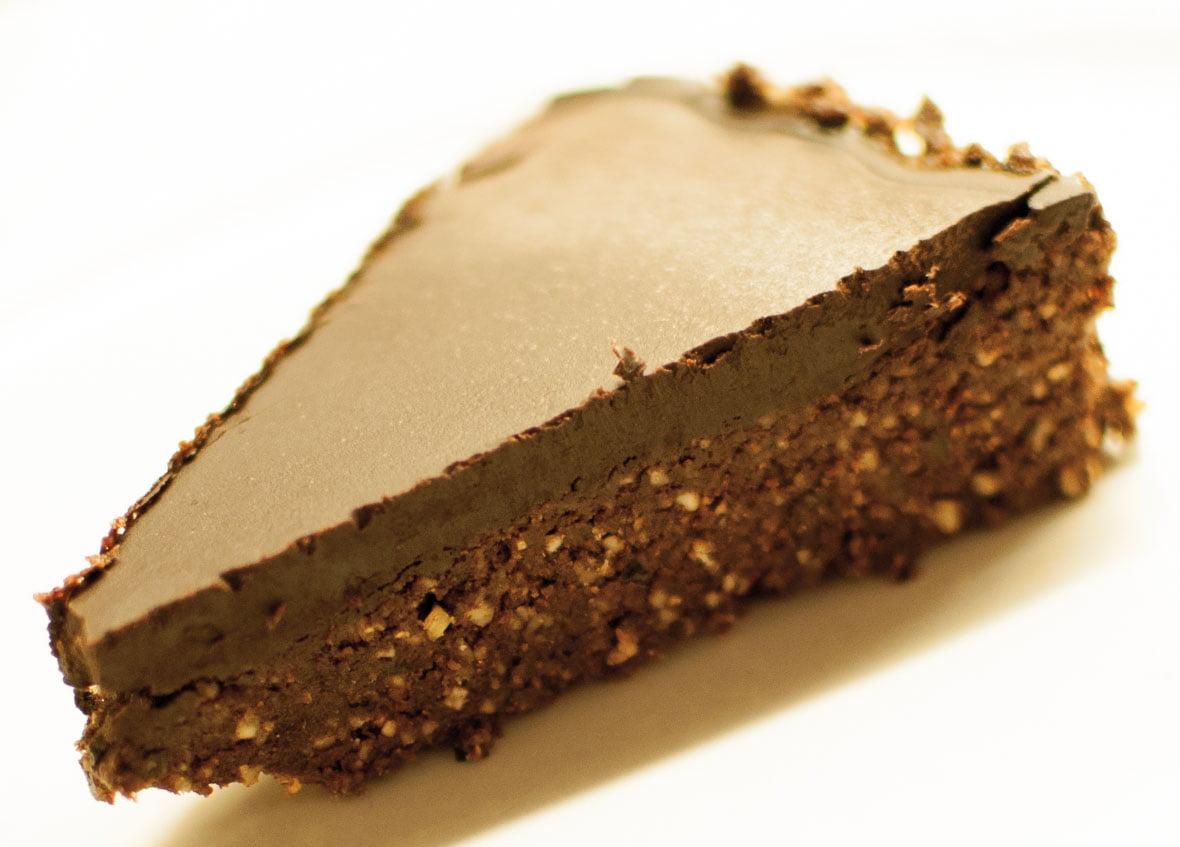 Rå brownies med mørk sjokolade