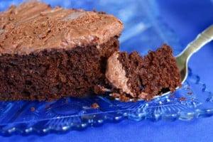 Sjokoladekake uten egg med søtpotet og avokado
