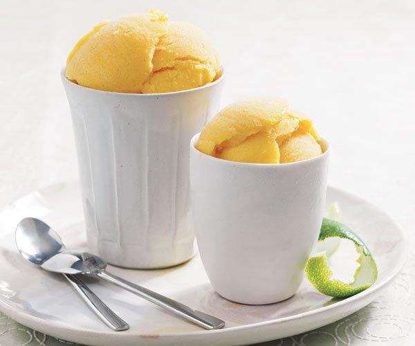 Hjemmelaget sorbet med mango